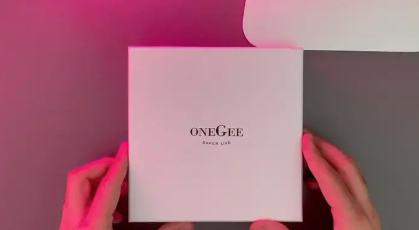 Unboxing Butler Snorting box